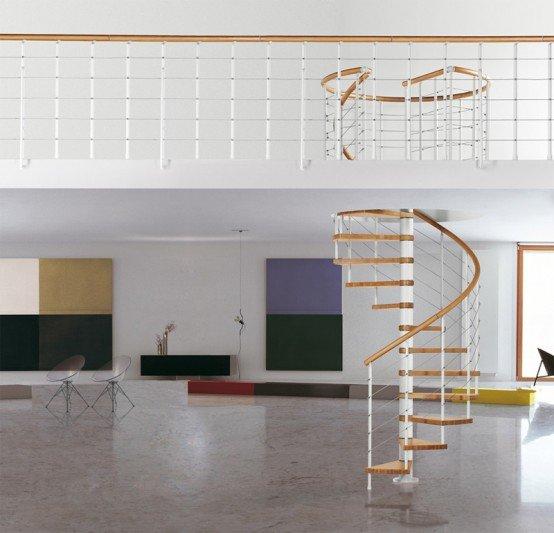 Cầu thang như vậy là khá phổ biến giải pháp tiết kiệm không gian. Sản phẩm này được sản xuất bởi Albini & Fontanot. Nó có lan can bằng gỗ bằng gỗ với lan can bằng thép.