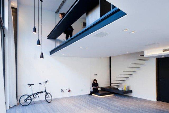 Căn hộ Laconic với thiết kế cầu thang đẹp – nổi và rất nhiều đèn LED thumbnail