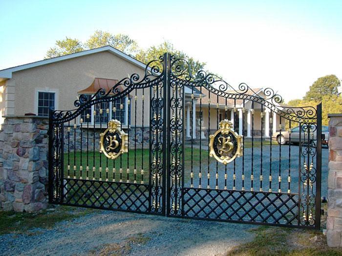 Cổng nhà đẹp kích thước chuẩn lỗ ban