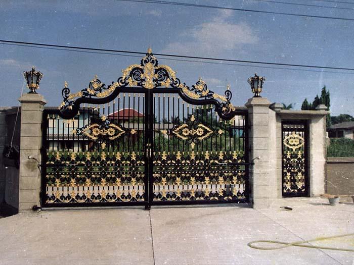 mẫu cổng nhà đẹp 07