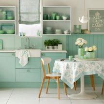 Thiết kế nội thất nhà bếp đẹp với gam màu xanh ngắt ấn tượng thumbnail
