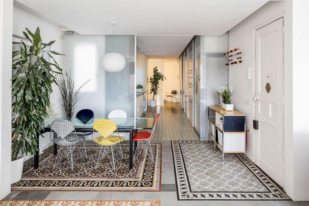 Mẫu thiết kế mở cho nhà chung cư 64m2 theo phong cách tân cổ điển thumbnail