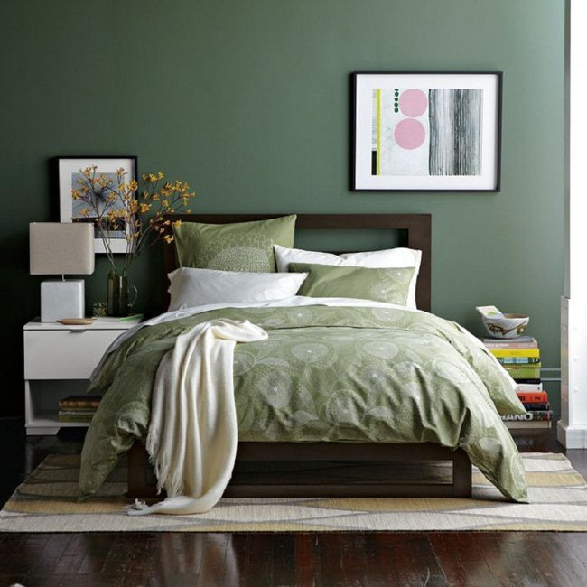 Phòng ngủ màu xanh lá trông rất lạ mắt và gây ấn tượng thumbnail