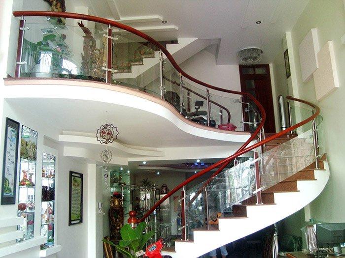 Xem các mẫu thiết kế cầu thang đẹp nhất năm 2018 post image