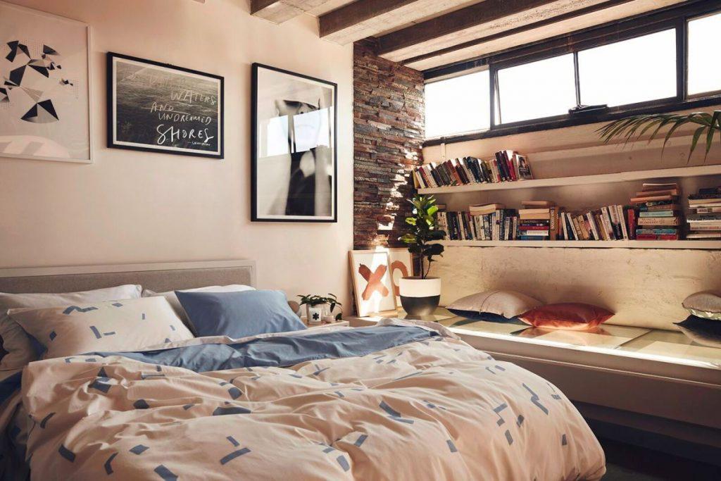 Đầy cảm hứng với thiết kế không gian phòng ngủ có tủ sách thumbnail