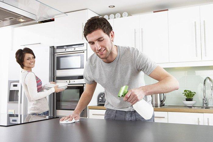 Vệ sinh thiết bị bếp thường xuyên sau khi dùng