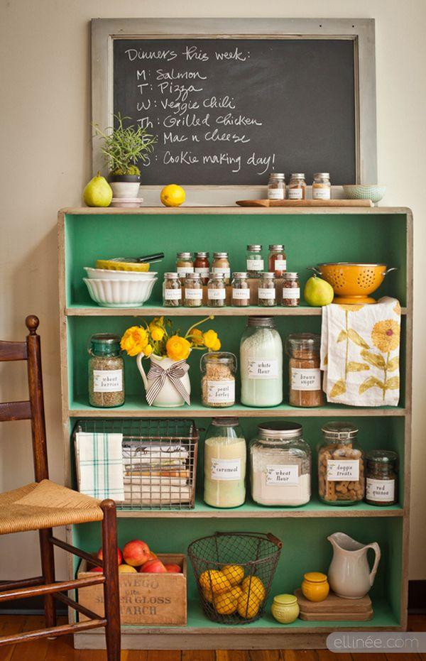 Cách tân trang nhà bếp 8:Phân loại và sắp xếp gọn gàng mọi thứ