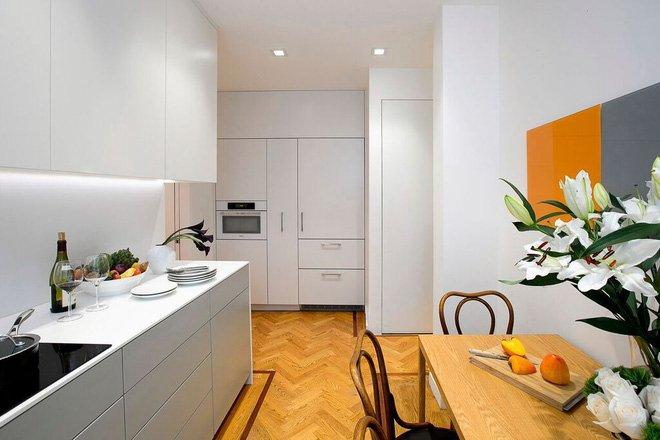Thiết kế nhà bếp nhỏ hẹp hình chữ U mang ánh sáng vào không gian bếp thumbnail