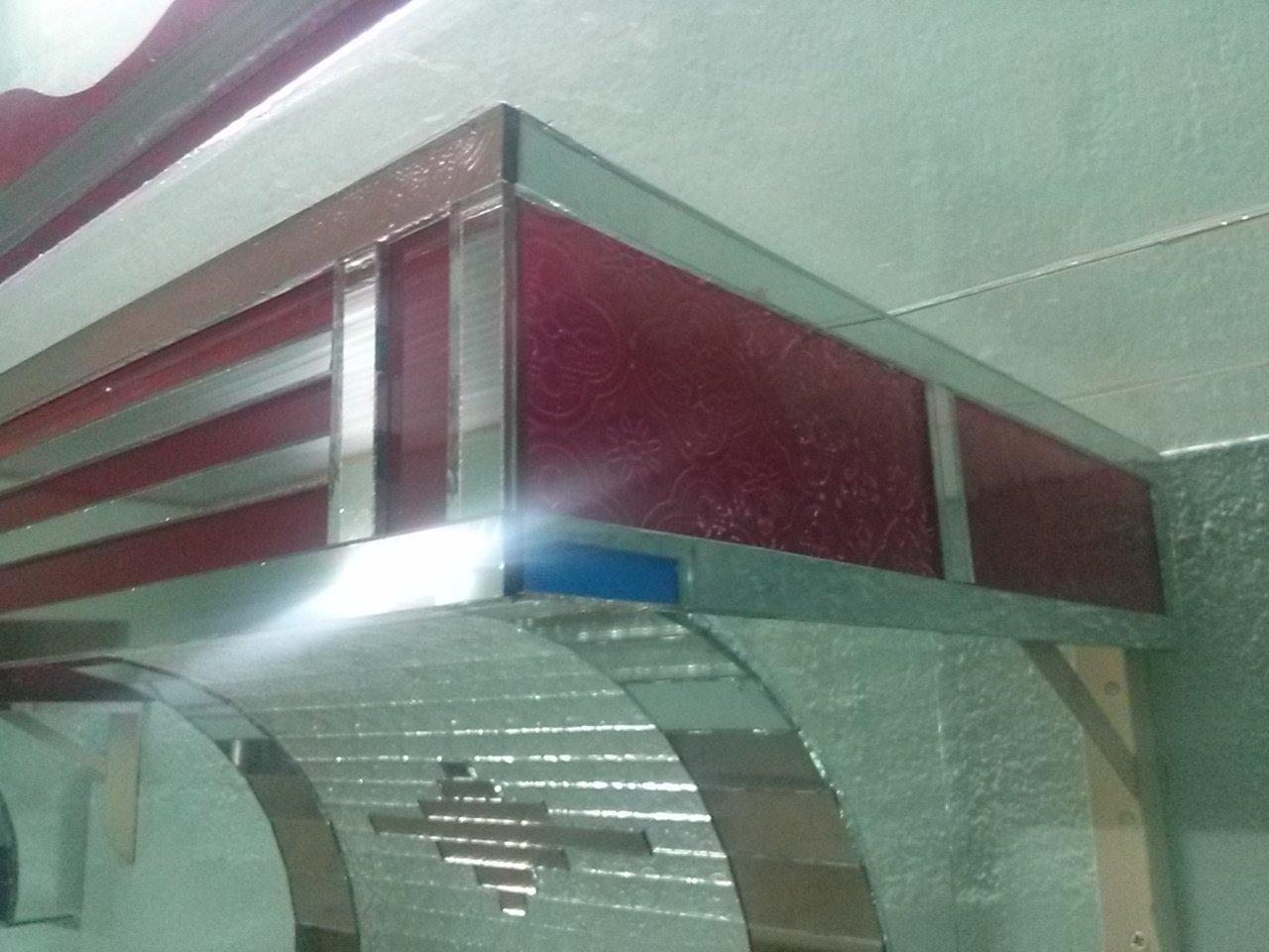 Kích thước bàn thờ treo tường bằng kính đạt chuẩn phong thủy