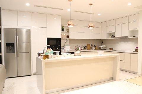 Tủ bếp gỗ Acrylic-Tri ân khách hàng & bảo trì công trình tủ bếp nhà chị Nguyệt Anh-Tràng An post image