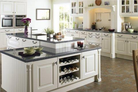 Tủ bếp gỗ sồi Mỹ sơn trắng-Hoàn thiện công trình tủ bếp nhà anh Phong-Quảng Ninh thumbnail