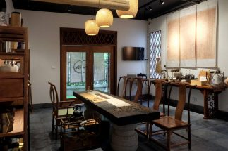 Phòng bếp đẹp mang phong cách Á Đông hiện đại