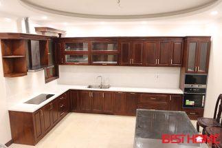 Tủ bếp gỗ hương đỏ – Hoàn thiện thiết bị công trình nhà anh Trường – Trung Yên post image