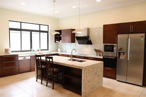 Tủ bếp gỗ óc chó-Tri ân khách hàng và bảo trì công trình tủ bếp nhà anh Hiếu-Quảng Ninh thumbnail