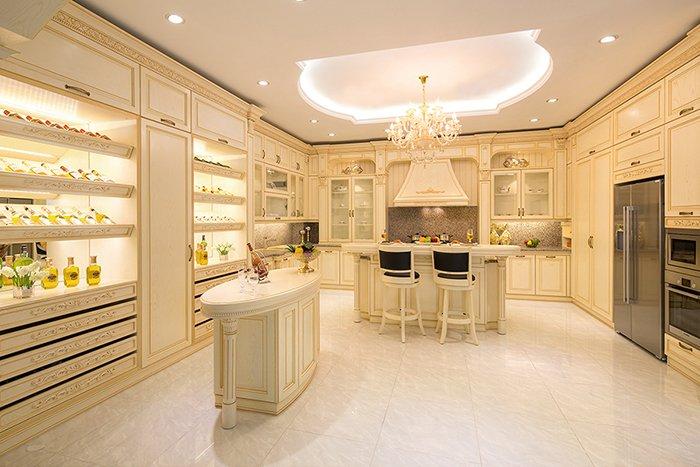 mẫu thiết kế phòng bếp nhà biệt thự đẹp sang trọng