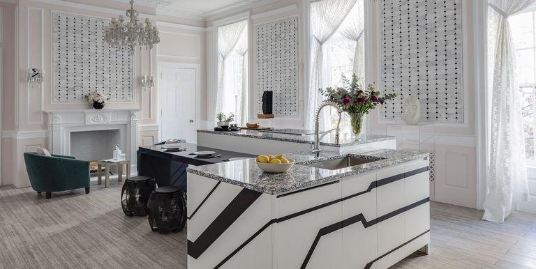 Mẫu thiết kế phòng bếp nhà biệt thự cao cấp Châu Âu cổ điển