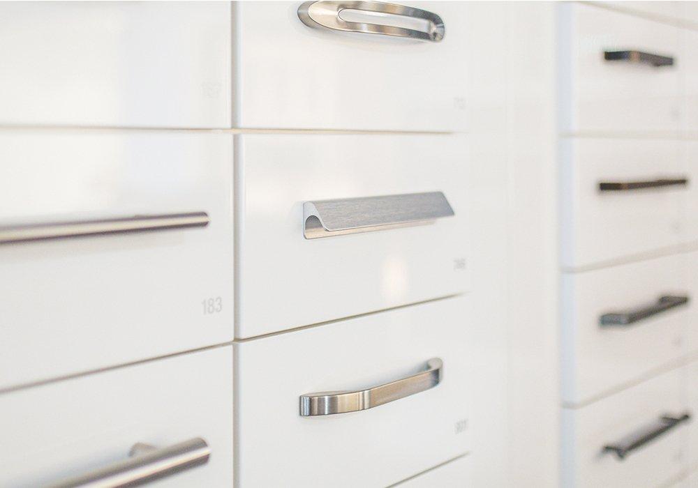 Một số mẫu tay nắm tủ bếp hiện đại được yêu thích