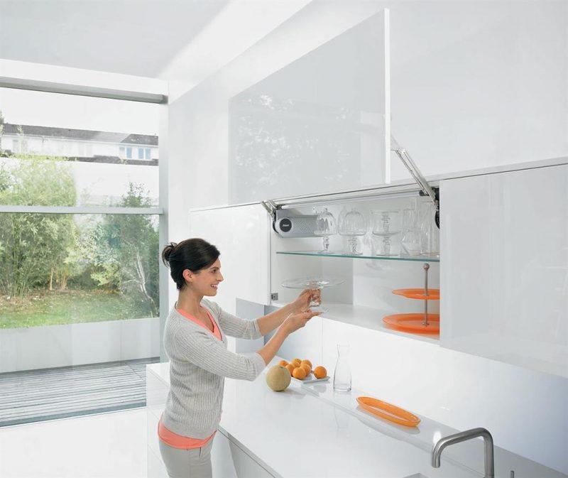 Ưu điểm của hệ thống tay nâng và Piston Blum cho tủ bếp thumbnail