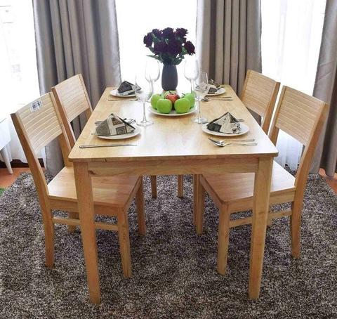 Mẫu bàn ăn 4 ghế phong cách cổ điển