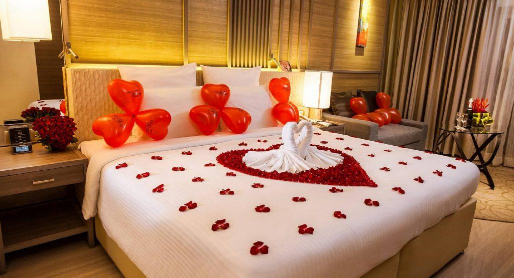 Trang trí phòng cưới với điểm nhấn nhà đôi thiên nga