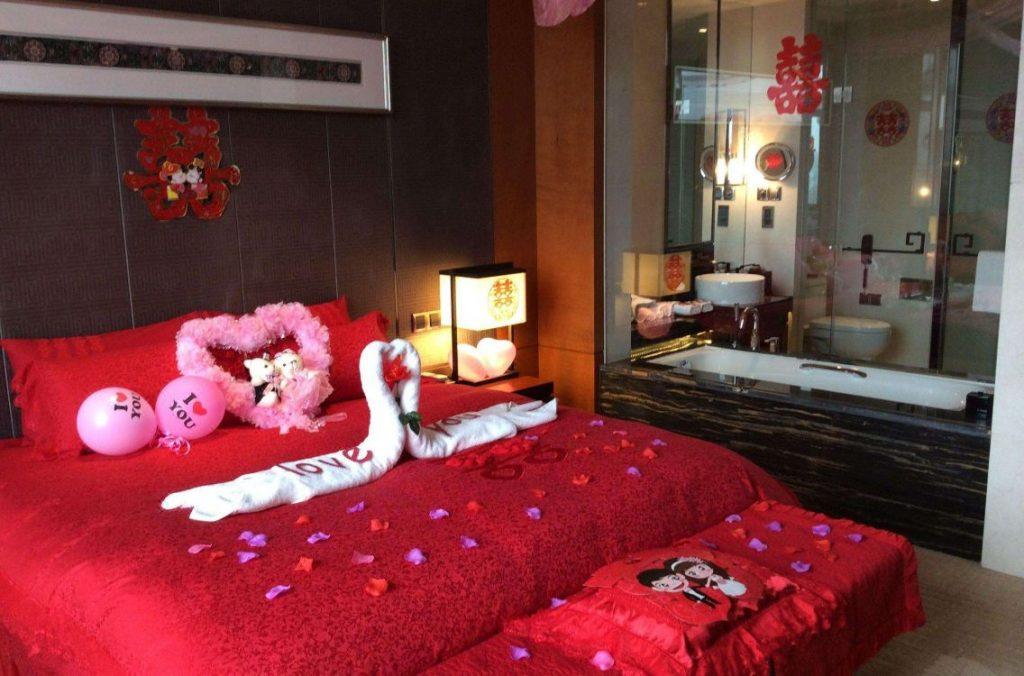 Trang trí phòng cưới màu đỏ